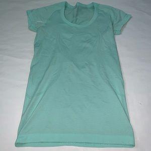 🍋Lululemon shirt